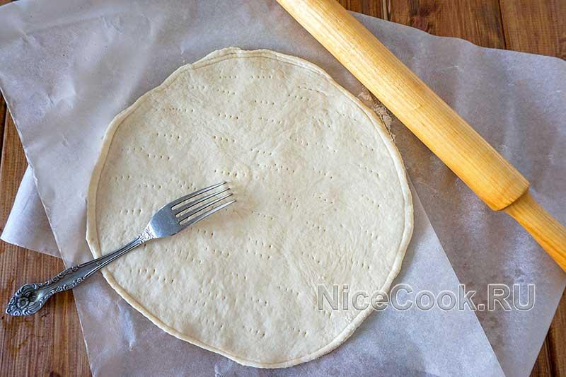 Домашняя пицца пепперони - раскатываем тесто