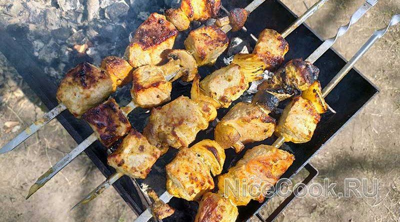 Шашлык из свинины в маринаде с майонезом - готовый шашлык