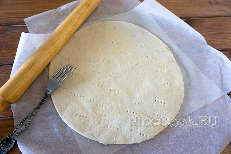 Домашняя грибная пицца с шампиньонами - раскатываем тесто