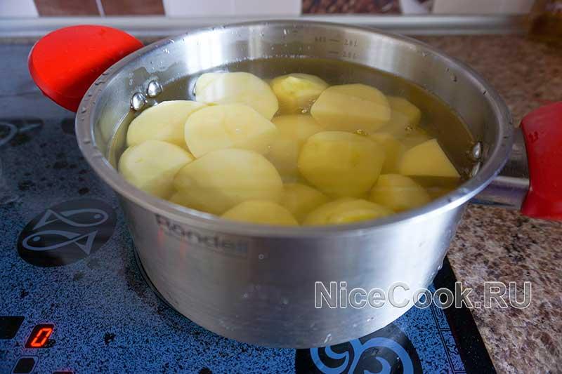 Кыстыбый с картошкой по-татарски - варим картофель