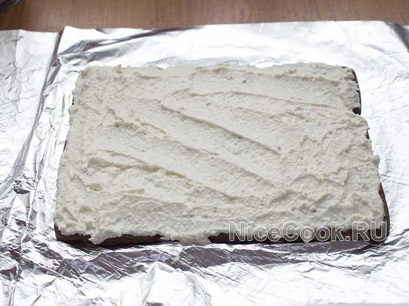 Творожный домик из печенья без выпечки - выкладываем второй слой